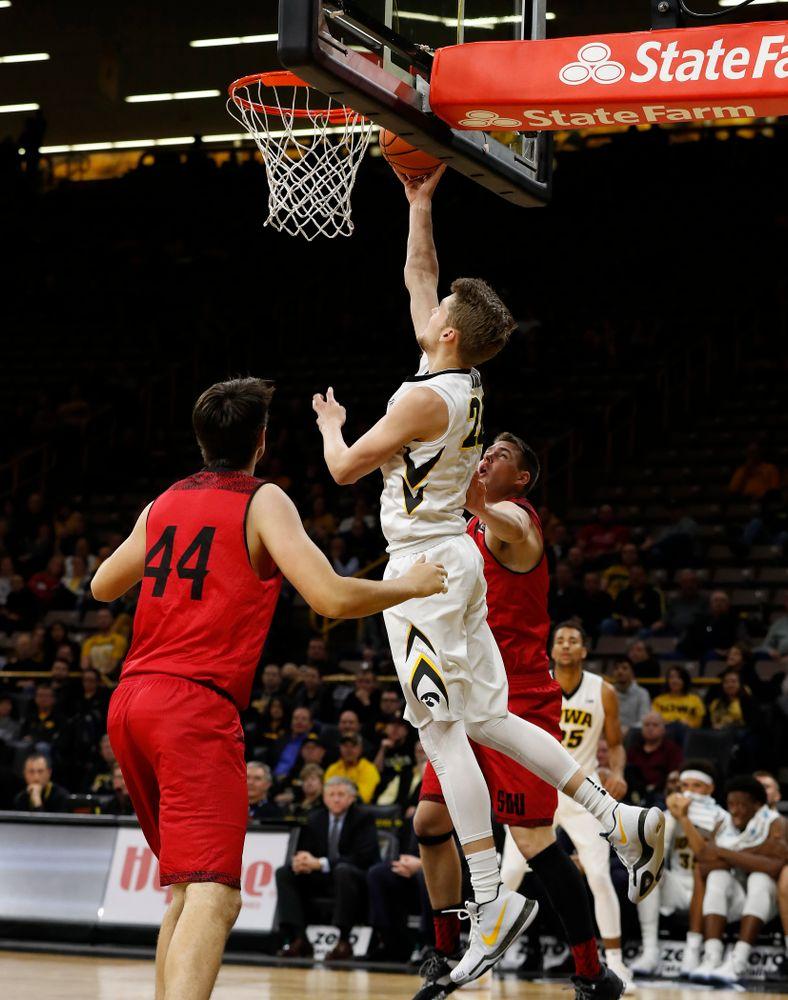Iowa Hawkeyes forward Riley Till (20)
