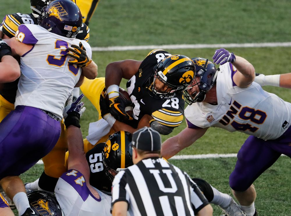 Iowa Hawkeyes running back Toren Young (28) against the Northern Iowa Panthers Saturday, September 15, 2018 at Kinnick Stadium. (Brian Ray/hawkeyesports.com)