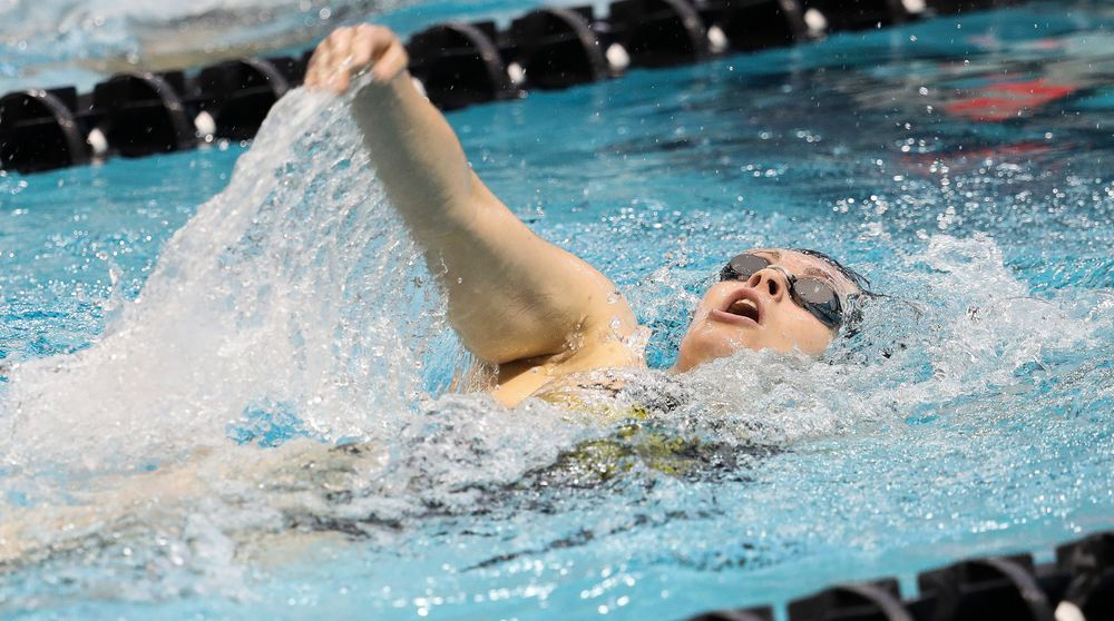 Iowa's Lexi Horner competes in the 400-yard individual medley during a meet against Michigan and Denver at the Campus Recreation and Wellness Center on November 3, 2018. (Tork Mason/hawkeyesports.com)