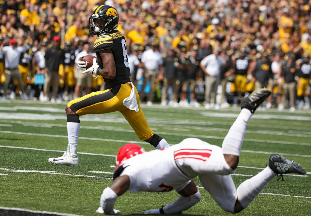Iowa Hawkeyes wide receiver Ihmir Smith-Marsette (6) pulls in a 23-yard touchdown reception during the third quarter of their Big Ten Conference football game at Kinnick Stadium in Iowa City on Saturday, Sep 7, 2019. (Stephen Mally/hawkeyesports.com)