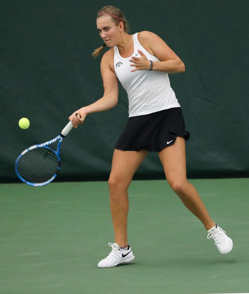 Ashleigh Jacobs returns a shot in a doubles match during the second day of the ITA Central Regional Championships at the Hawkeye Tennis and Recreation Complex on October 13, 2018. (Tork Mason/hawkeyesports.com)
