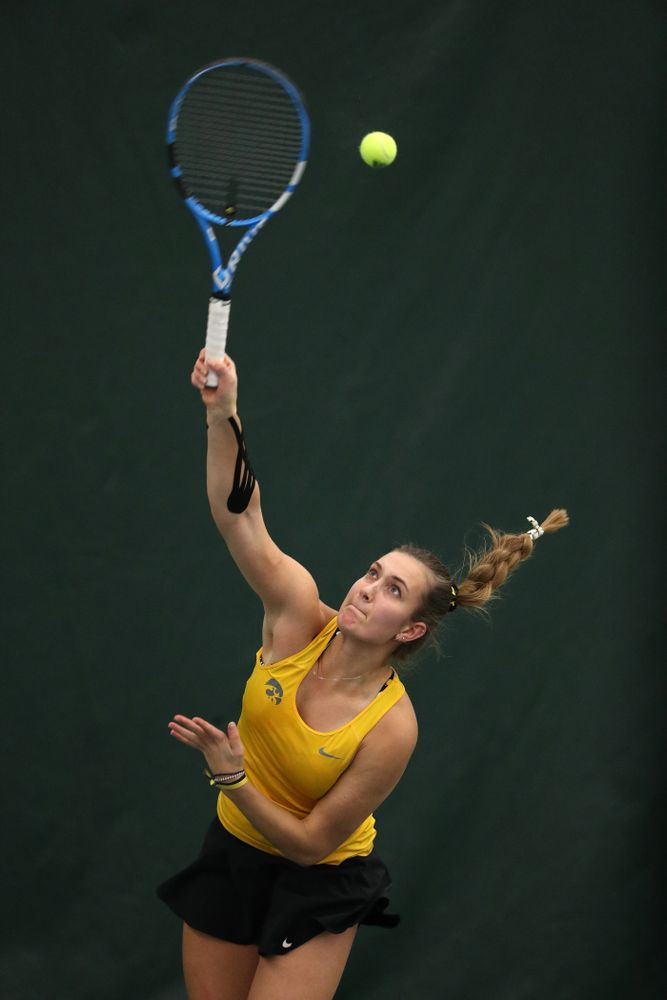 Iowa's Ashleigh Jacobs plays a doubles match against Xavier Friday, January 18, 2019 at the Hawkeye Tennis and Recreation Center. (Brian Ray/hawkeyesports.com)