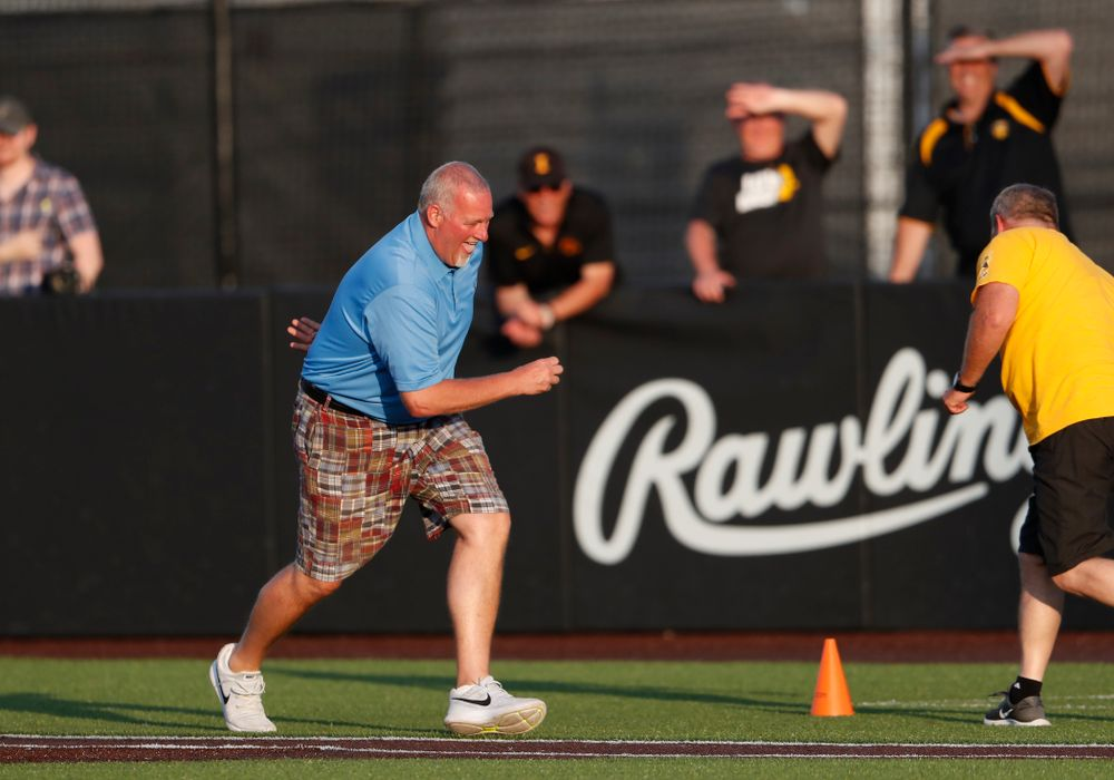 The Dizzy Bat Race against the Penn State Nittany Lions Saturday, May 19, 2018 at Duane Banks Field. (Brian Ray/hawkeyesports.com)