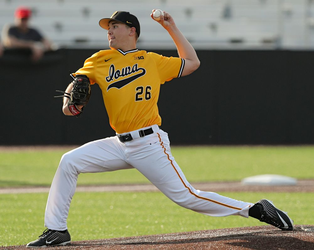 Iowa Hawkeyes pitcher Adam Ketelsen (26) delivers to the plate during the fourth inning of their game against Northern Illinois at Duane Banks Field in Iowa City on Tuesday, Apr. 16, 2019. (Stephen Mally/hawkeyesports.com)