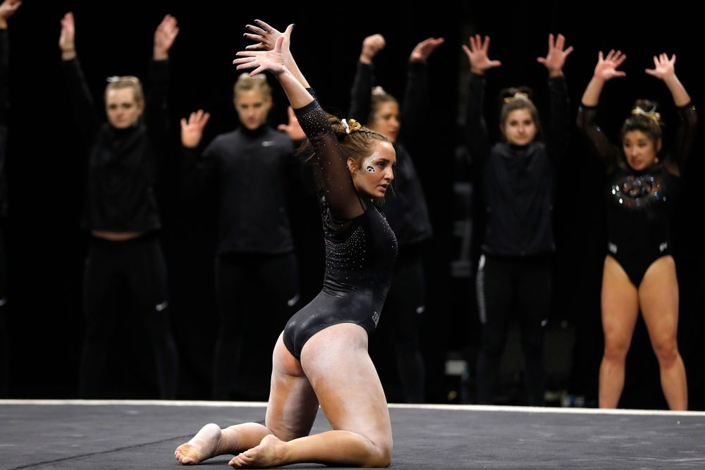 Bre Fitzke competes on the floor