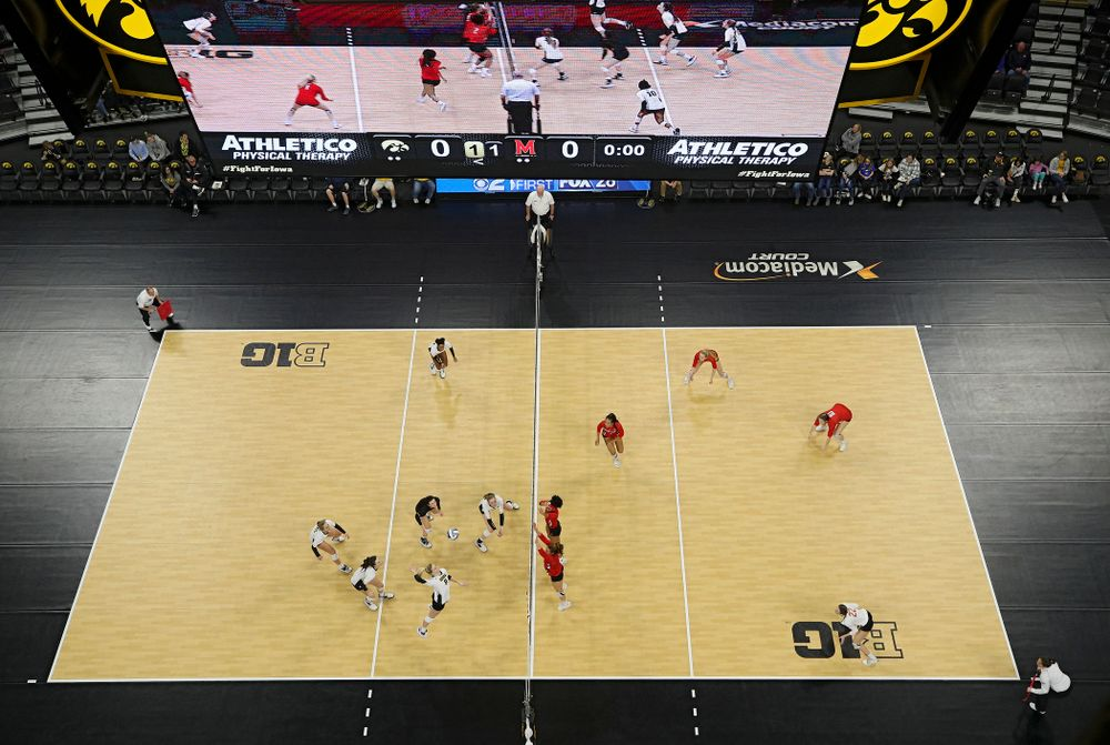 Iowa's Kyndra Hansen (8) lines up a shot during the third set of their match at Carver-Hawkeye Arena in Iowa City on Saturday, Nov 30, 2019. (Stephen Mally/hawkeyesports.com)