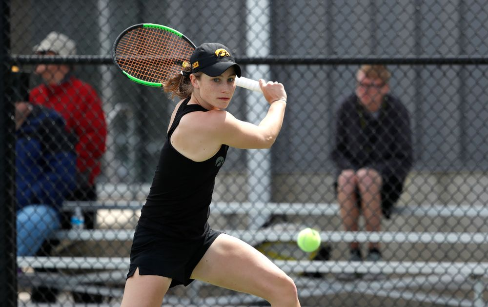 Iowa's Elise Van Heuvelen against the Wisconsin Badgers Sunday, April 22, 2018 at the Hawkeye Tennis and Recreation Center. (Brian Ray/hawkeyesports.com)