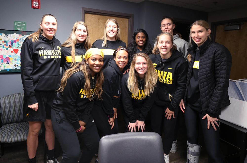 The Iowa WomenÕs Basketball team volunteers at DVIP during the annual Iowa Athletics Day of Caring  Sunday, April 28, 2019 in Iowa City. (Brian Ray/hawkeyesports.com)