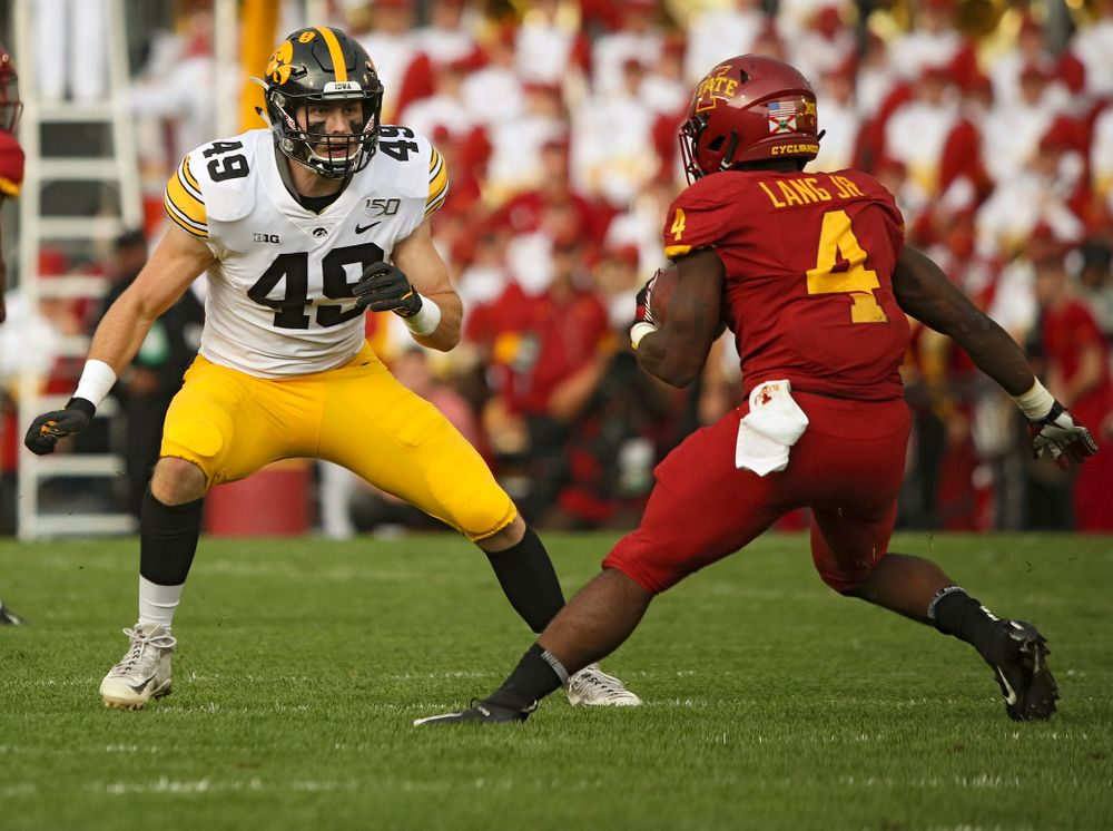 Iowa Hawkeyes linebacker Nick Niemann (49) closes in during the first quarter of their Iowa Corn Cy-Hawk Series game at Jack Trice Stadium in Ames on Saturday, Sep 14, 2019. (Stephen Mally/hawkeyesports.com)