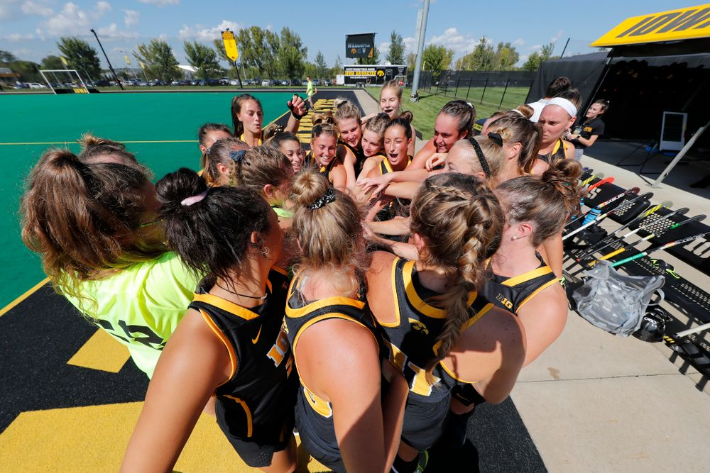 The Iowa Hawkeyes gather before their game against the Penn Quakers Friday, September 14, 2018 at Grant Field. (Brian Ray/hawkeyesports.com)