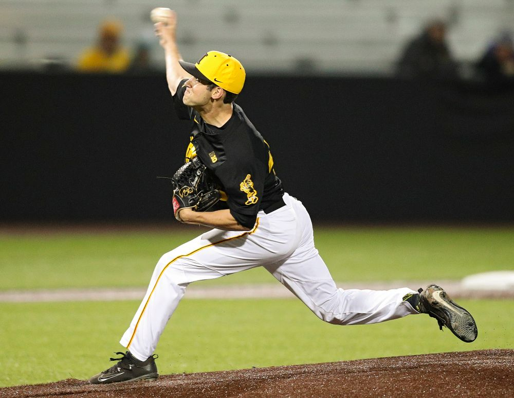 Iowa Hawkeyes pitcher Grant Leonard (43) delivers to the plate during the ninth inning of their game against Western Illinois at Duane Banks Field in Iowa City on Wednesday, May. 1, 2019. (Stephen Mally/hawkeyesports.com)