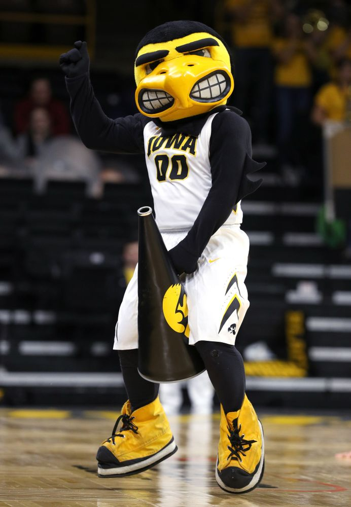 Herky the Hawk against the UKMC Kangaroos in the 2K Empire Classic Thursday, November 8, 2018 at Carver-Hawkeye Arena. (Brian Ray/hawkeyesports.com)