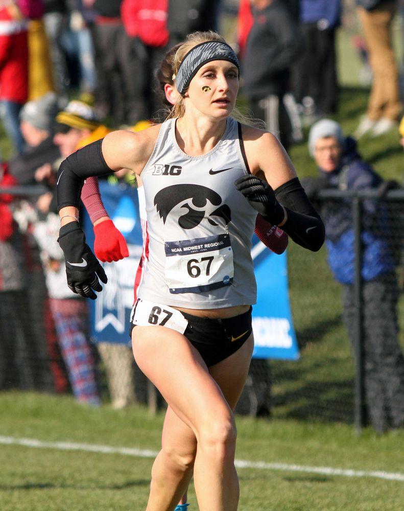 Madison Waymire runs toward the finish during the NCAA Regional.