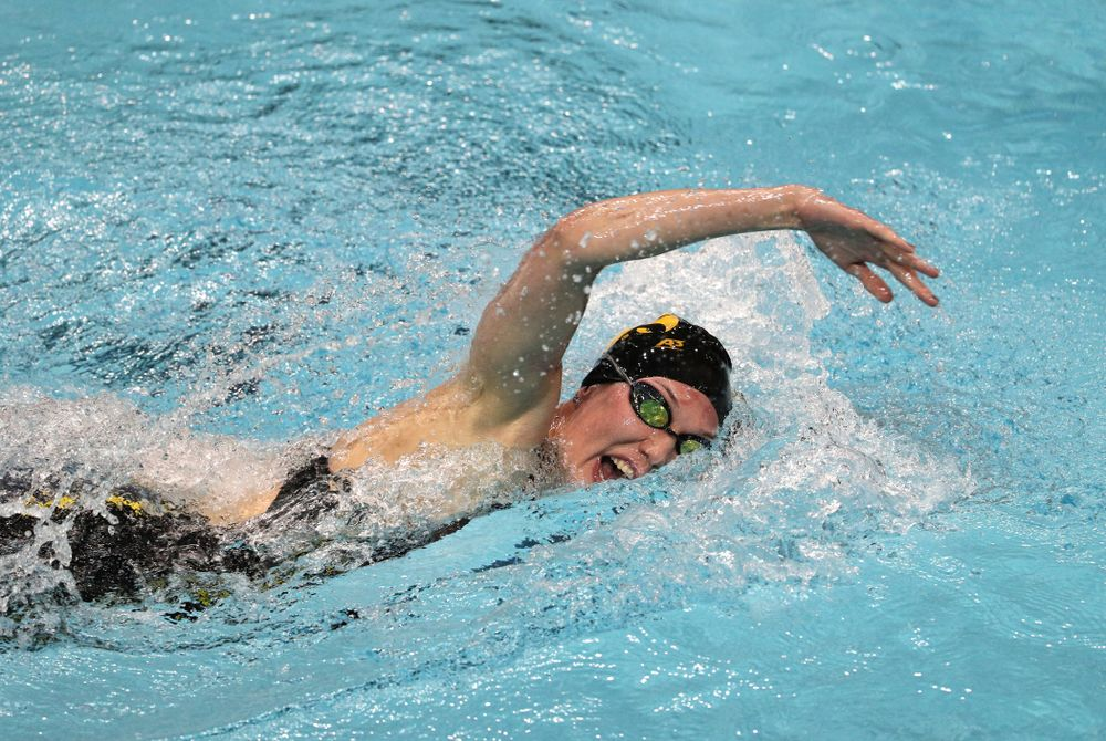 Iowa's Allyssa Fluit swims the 200-yard freestyle against the Iowa State Cyclones in the Iowa Corn Cy-Hawk Series Friday, December 7, 2018 at at the Campus Recreation and Wellness Center. (Brian Ray/hawkeyesports.com)