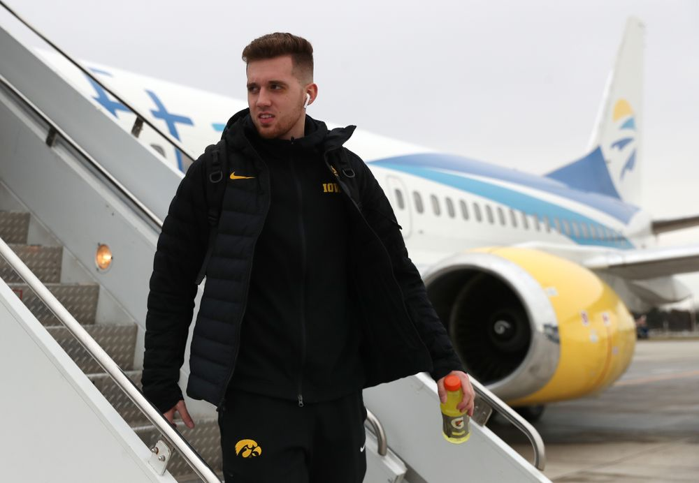 Iowa Hawkeyes guard Jordan Bohannon (3) arrives in Columbus for the first and second rounds of the 2019 NCAA Men's Basketball Tournament Wednesday, March 20, 2019. (Brian Ray/hawkeyesports.com)