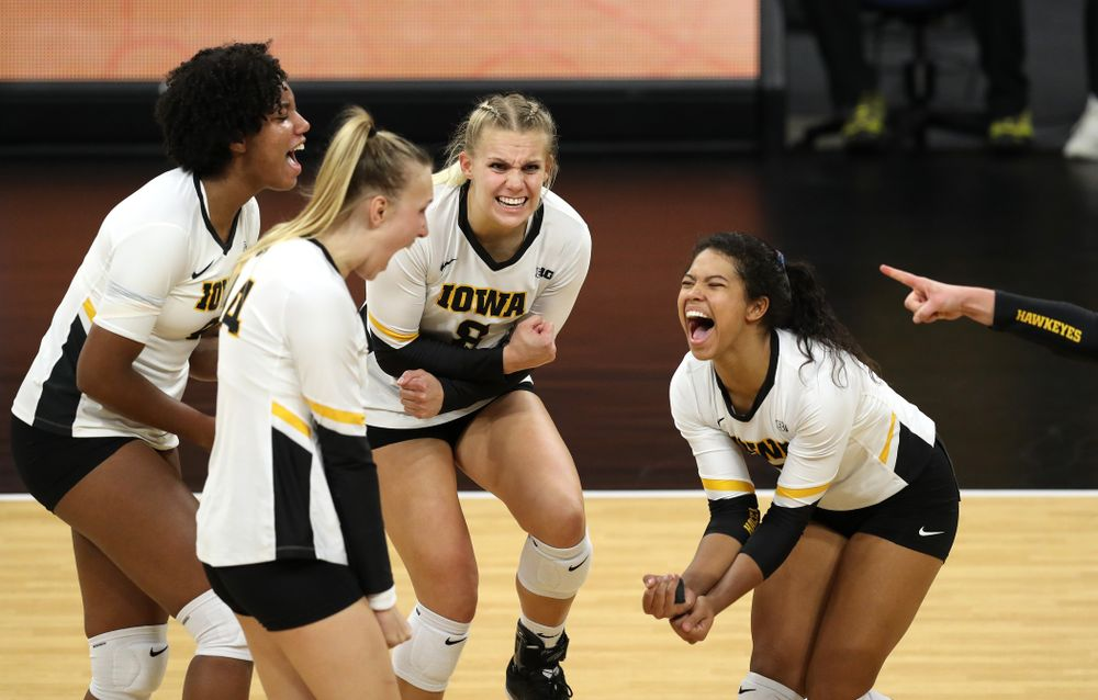Iowa Hawkeyes right side hitter Reghan Coyle (8) against the Northwestern Wildcats Wednesday, October 24, 2018 at Carver-Hawkeye Arena. (Brian Ray/hawkeyesports.com)