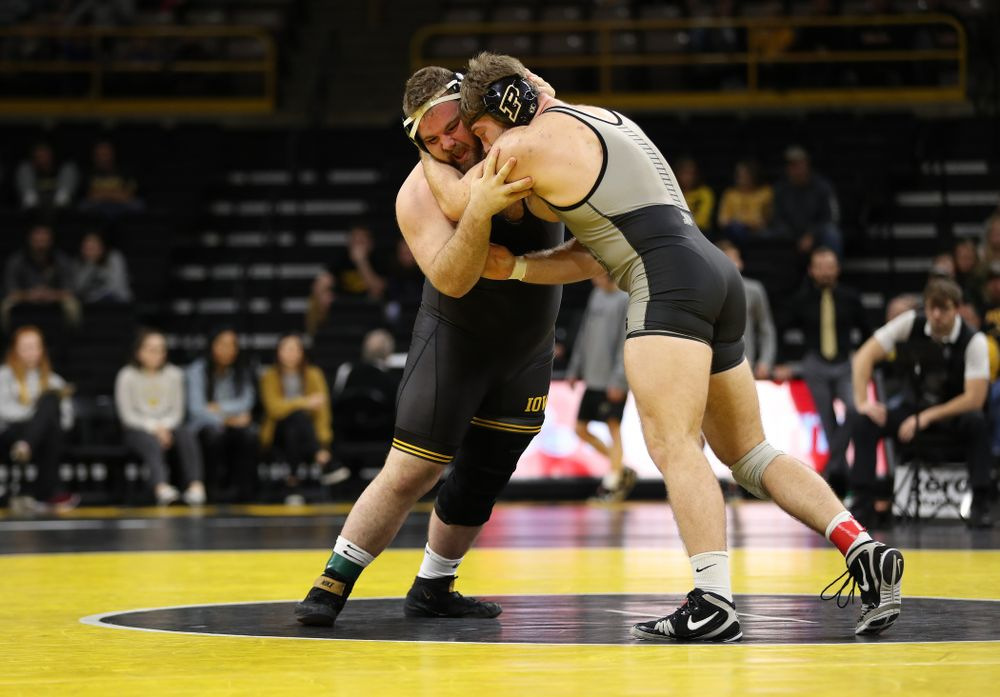 Iowa's Aaron Costello wrestles Purdue's Jacob Aven at heavyweight Saturday, November 24, 2018 at Carver-Hawkeye Arena. (Brian Ray/hawkeyesports.com)