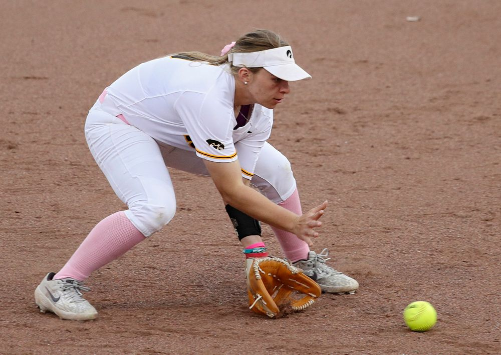 Iowa shortstop Sydney Owens (5) fields a ground ball before throwing to first for an out during the second inning of their game against Iowa State at Pearl Field in Iowa City on Tuesday, Apr. 9, 2019. (Stephen Mally/hawkeyesports.com)