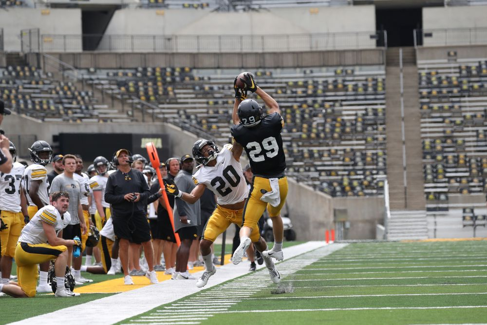WR Jackson Ritter (29) catches a pass on the sideline