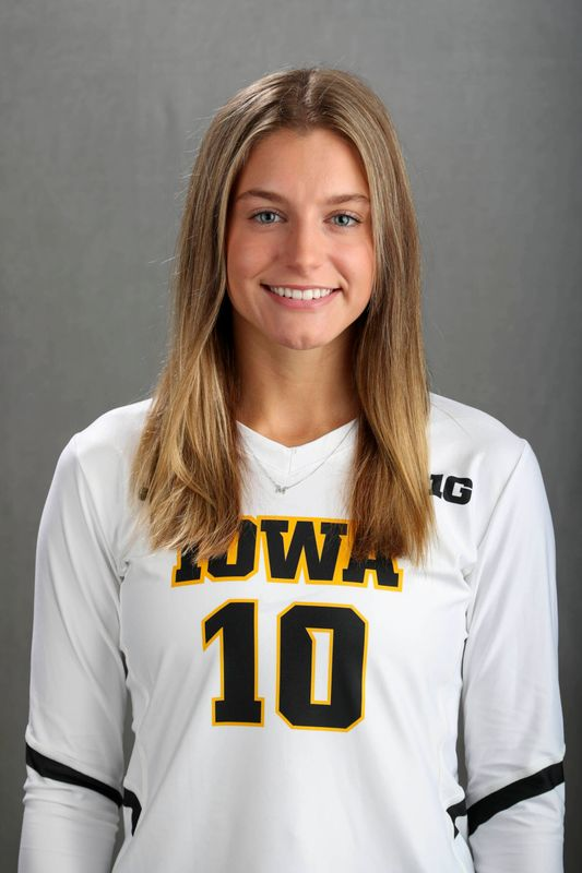 Mari  Hinkle - Volleyball - University of Iowa Athletics