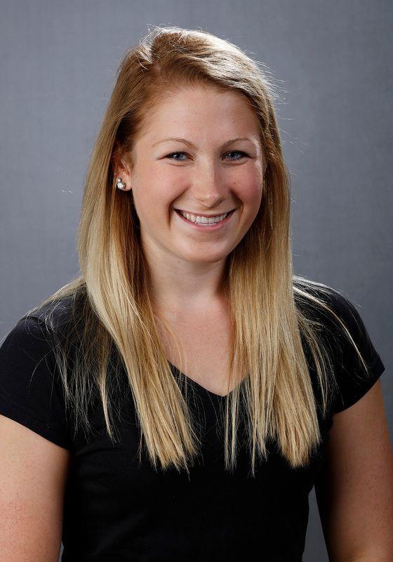 Abbey Schneider - Women's Swim & Dive - University of Iowa Athletics