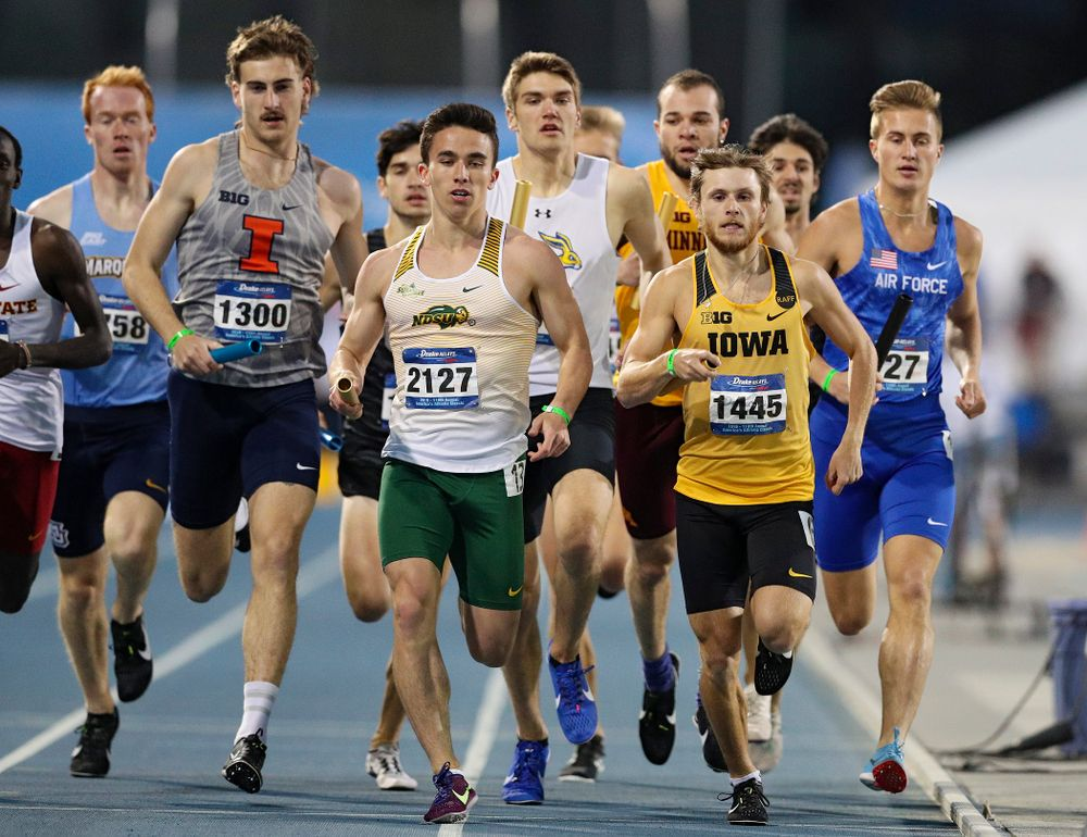 Iowa's Tysen VanDraska runs the men's 3200 meter relay event during the second day of the Drake Relays at Drake Stadium in Des Moines on Friday, Apr. 26, 2019. (Stephen Mally/hawkeyesports.com)