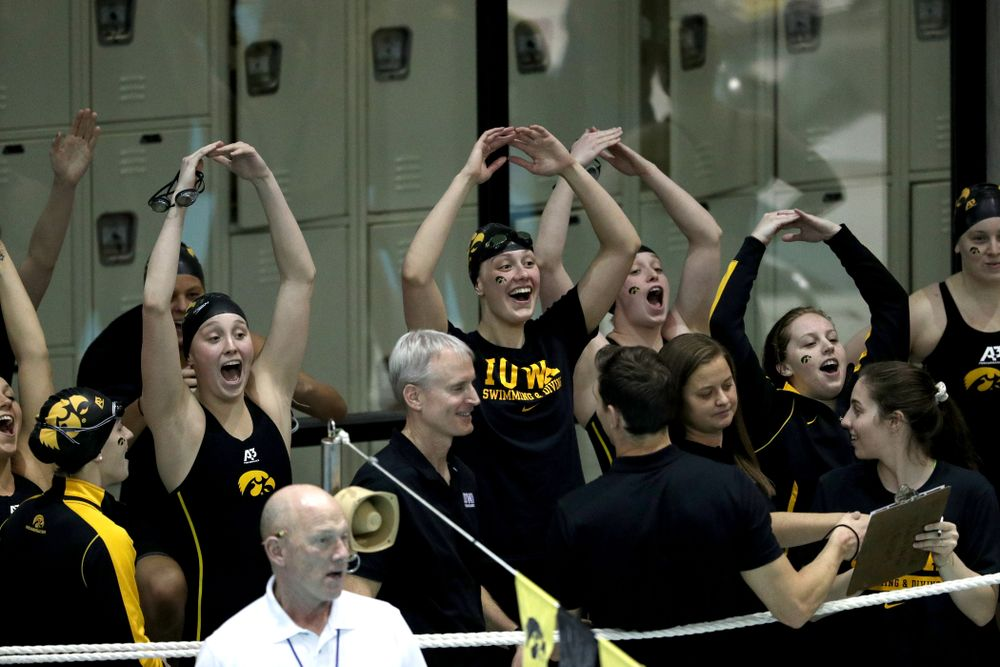 The Iowa Hawkeyes get pumped up for their meet against the Iowa State Cyclones in the Iowa Corn Cy-Hawk Series Friday, December 7, 2018 at at the Campus Recreation and Wellness Center. (Brian Ray/hawkeyesports.com)