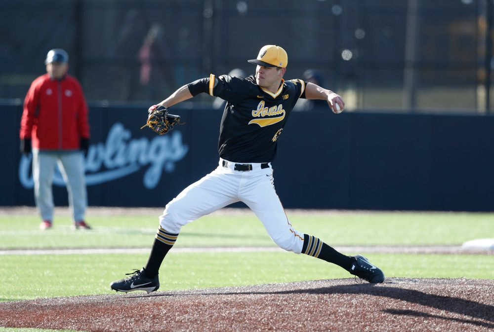 Iowa Hawkeyes pitcher Kyle Shimp (45) against Grand View Wednesday, April 4, 2018 at Duane Banks Field. (Brian Ray/hawkeyesports.com)