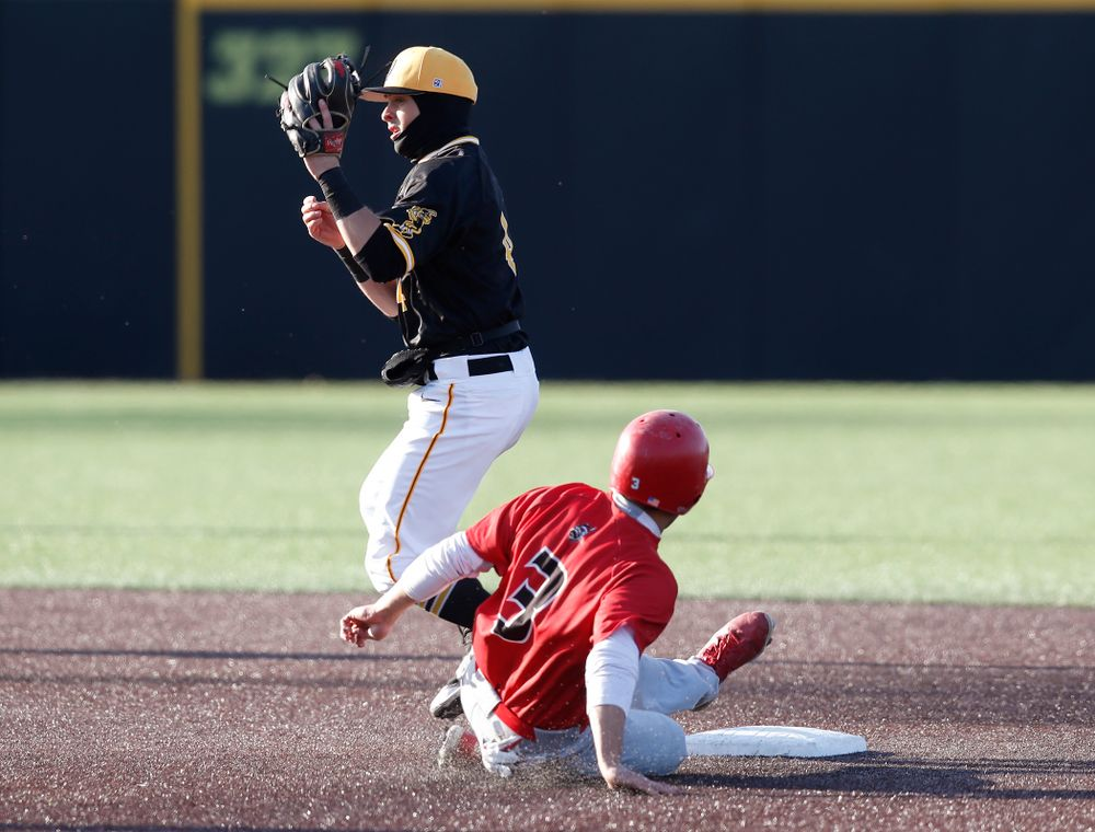 Iowa Hawkeyes infielder Mitchell Boe (4) against Grand View Wednesday, April 4, 2018 at Duane Banks Field. (Brian Ray/hawkeyesports.com)