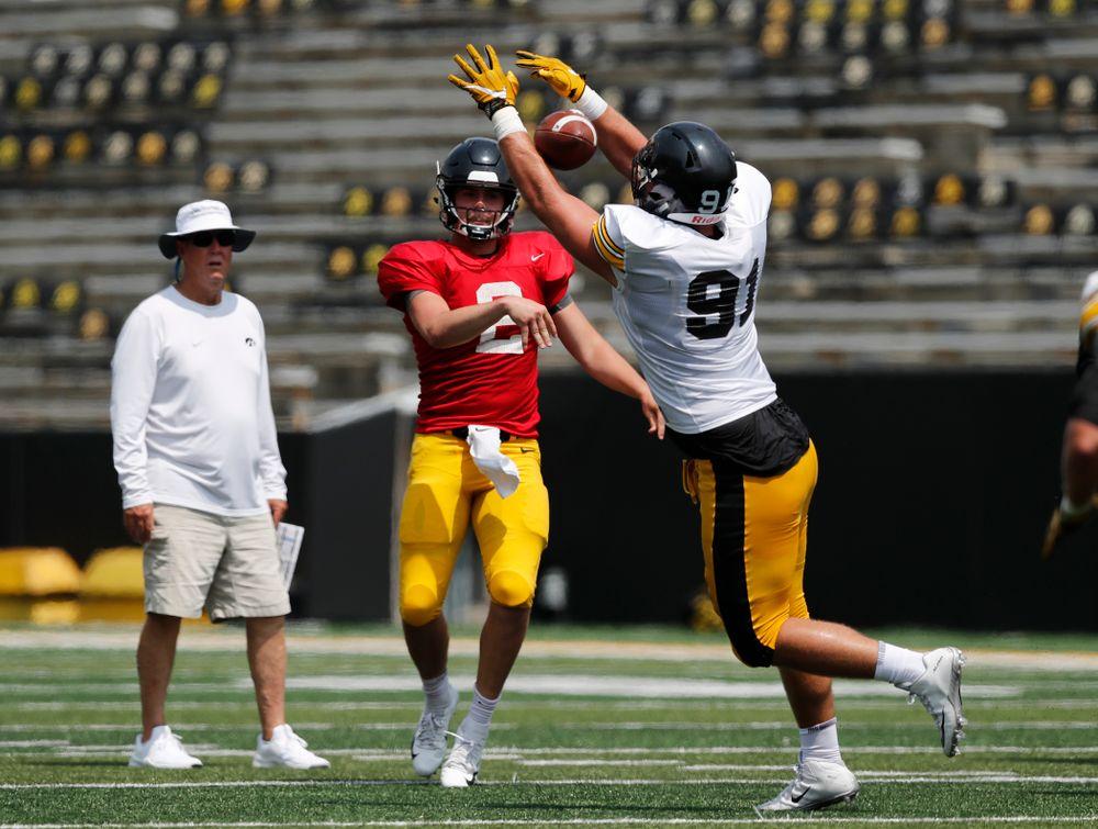 Iowa Hawkeyes quarterback Peyton Mansell (2) and defensive lineman Brady Reiff (91) during Kids Day Saturday, August 11, 2018 at Kinnick Stadium. (Brian Ray/hawkeyesports.com)