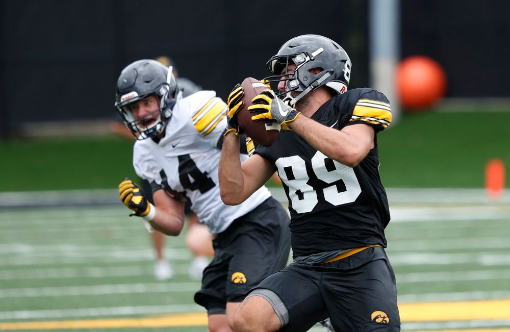 Iowa Hawkeyes wide receiver Nico Ragaini (89) during practice No. 4 of Fall Camp Monday, August 6, 2018 at the Hansen Football Performance Center. (Brian Ray/hawkeyesports.com)