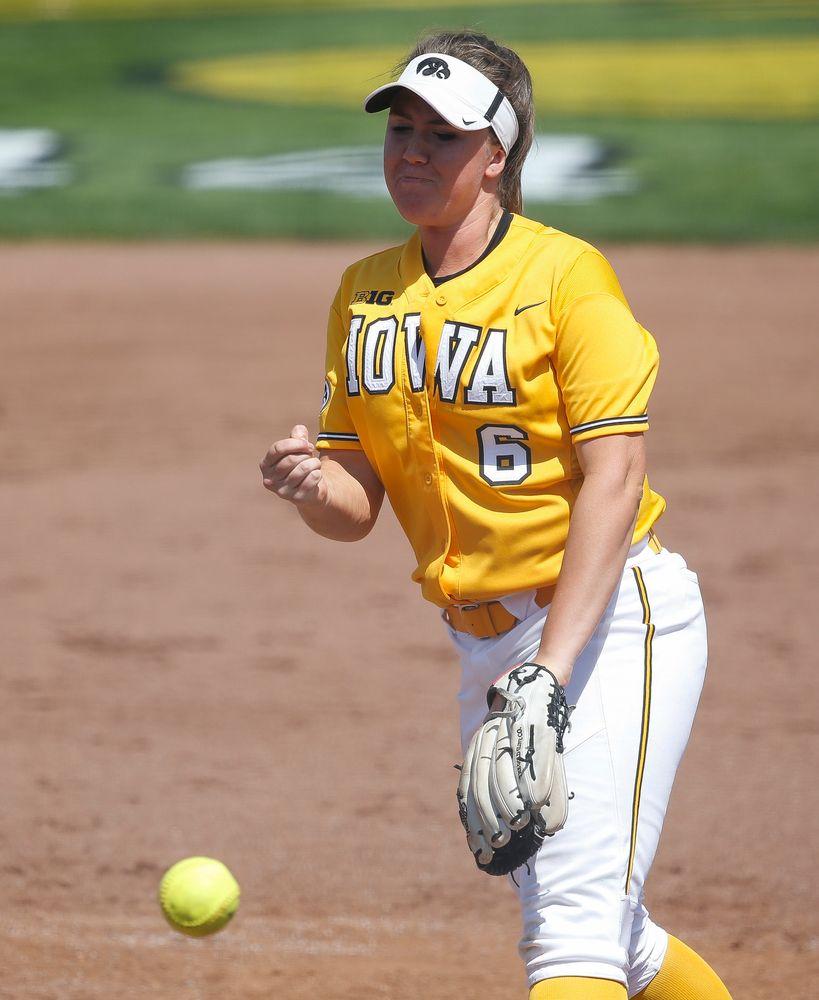 Iowa Hawkeyes pitcher Erin Riding (6)