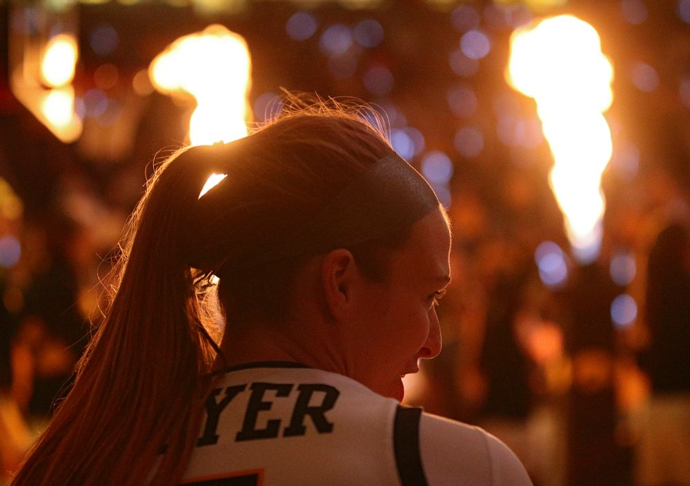 Iowa Hawkeyes guard Makenzie Meyer (3) talks with her teammates as she waits to be introduced before the game at Carver-Hawkeye Arena in Iowa City on Thursday, February 6, 2020. (Stephen Mally/hawkeyesports.com)
