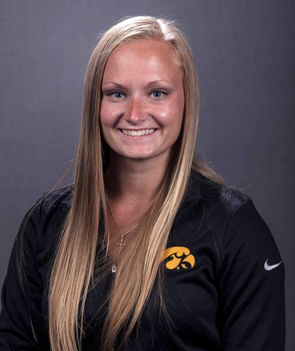 Cheyenne Pratt - Softball - University of Iowa Athletics