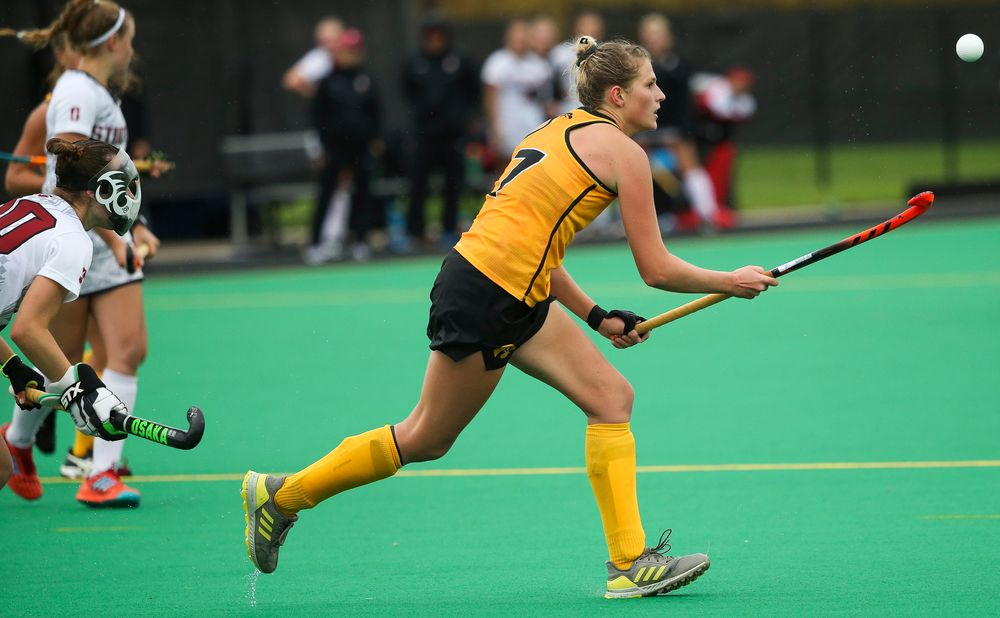Iowa Hawkeyes midfielder Ellie Holley (7) juggles the ball during a game against Stanford at Grant Field on October 7, 2018. (Tork Mason/hawkeyesports.com)