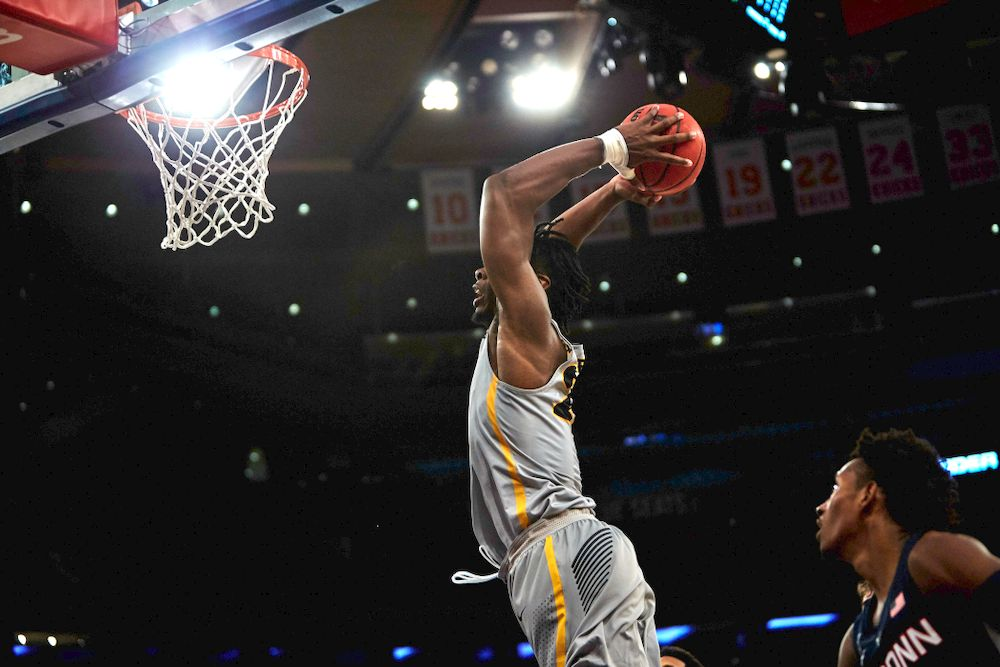 Iowa Hawkeyes forward Tyler Cook (25) against UConn in the Championship game of the 2K Empire Classic Friday, November 16, 2018 at Madison Square Garden in New York City. (Duncan H.Williams/Freelance)
