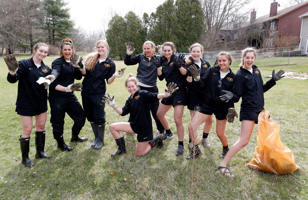 Members of the Iowa Soccer Team  volunteer during the Iowa Athletics Department's annual Day of Caring Sunday, April 22, 2018. (Brian Ray/hawkeyesports.com)
