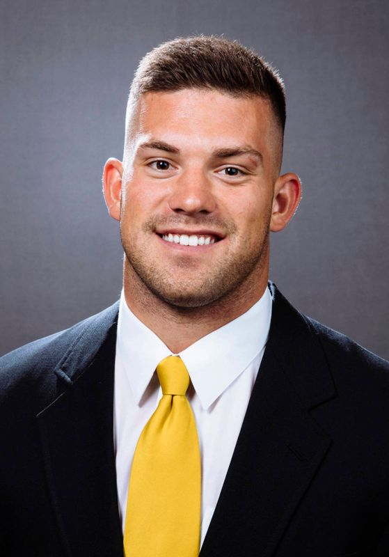 Jon Wisnieski - Football - University of Iowa Athletics