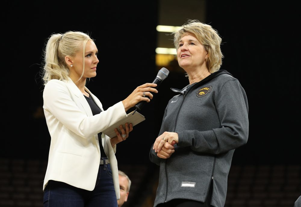 Laura Vandenberg interviews Iowa Hawkeyes head coach Lisa Bluder during the teamÕs Celebr-Eight event Wednesday, April 24, 2019 at Carver-Hawkeye Arena. (Brian Ray/hawkeyesports.com)