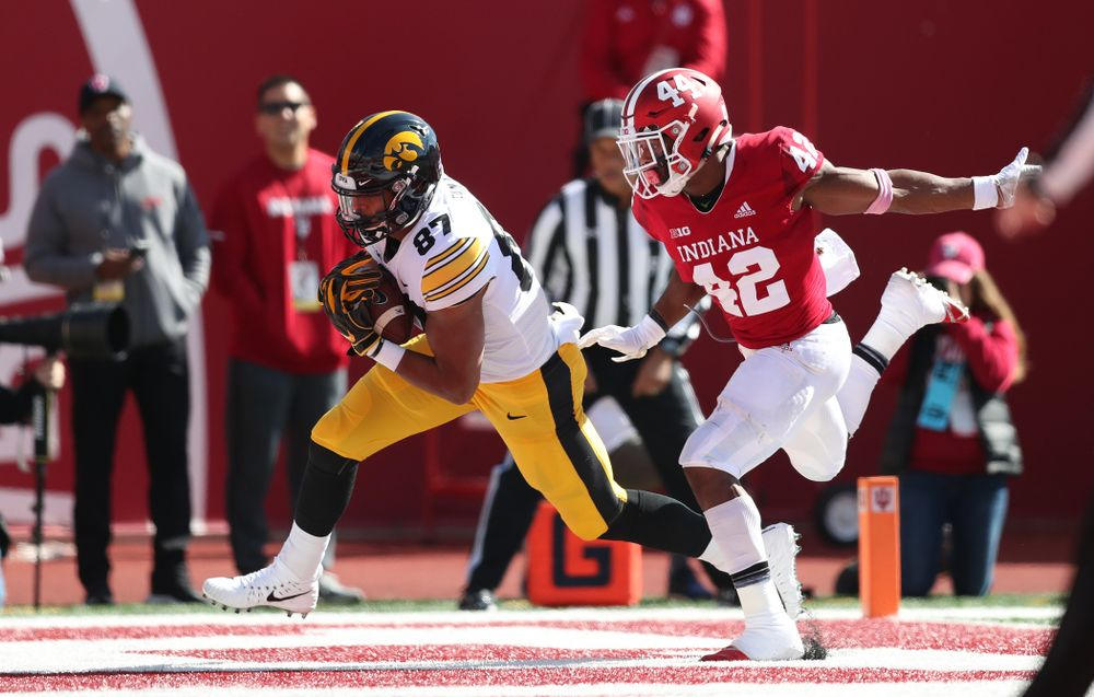 Iowa Hawkeyes tight end Noah Fant (87) against the Indiana Hoosiers Saturday, October 13, 2018 at Memorial Stadium, in Bloomington, Ind. (Max Allen/hawkeyesports.com)