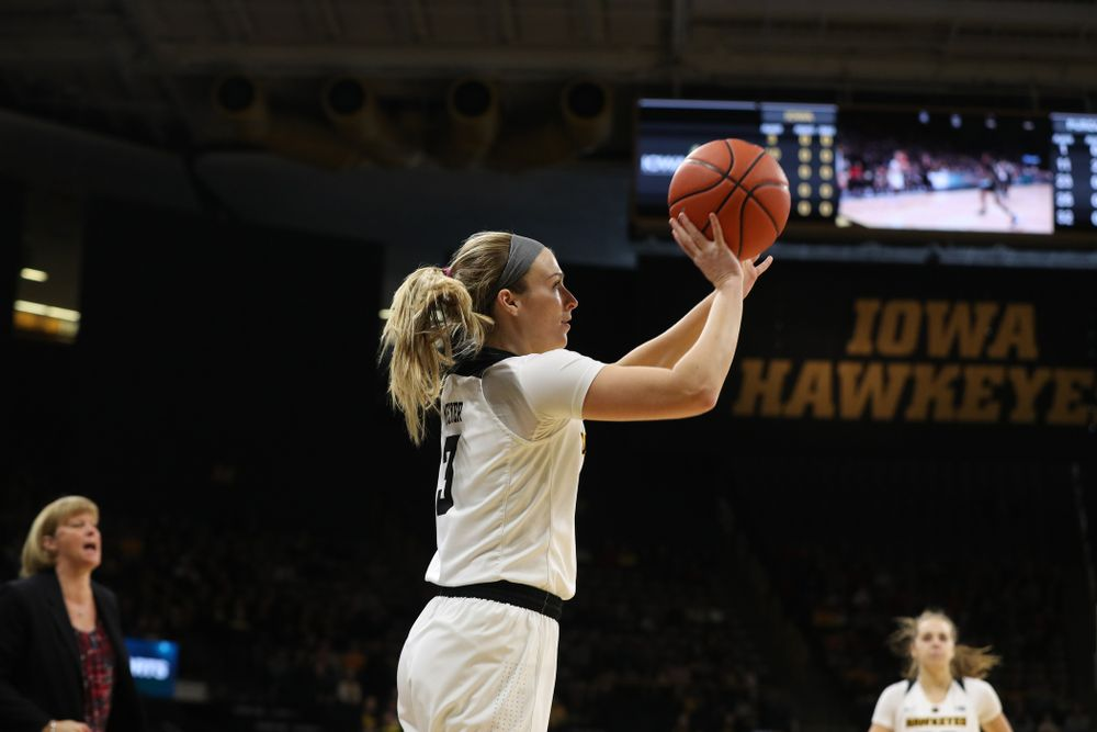 Iowa Hawkeyes guard Makenzie Meyer (3) knocks down a three point basket against the Purdue Boilermakers Sunday, January 27, 2019 at Carver-Hawkeye Arena. (Brian Ray/hawkeyesports.com)