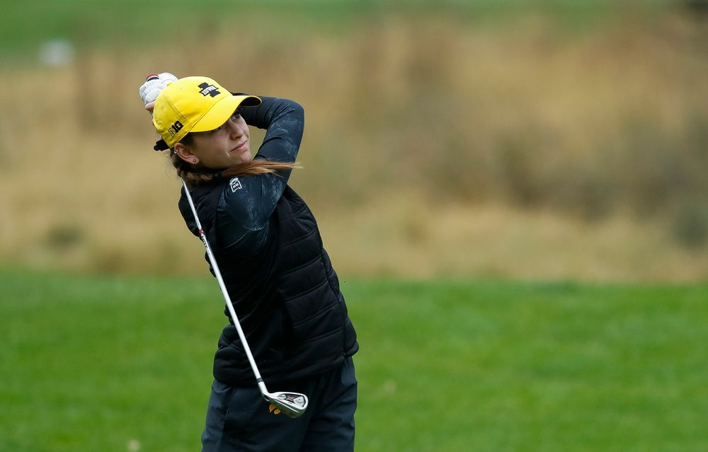 Iowa's Dana Lerner tees off during the final round of the Diane Thomason Invitational at Finkbine Golf Course on September 30, 2018. (Tork Mason/hawkeyesports.com)