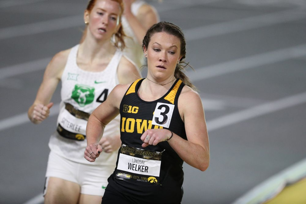 Iowa's Lindsay Welker runs the 1000 meters during the 2019 Larry Wieczorek Invitational  Friday, January 18, 2019 at the Hawkeye Tennis and Recreation Center. (Brian Ray/hawkeyesports.com)