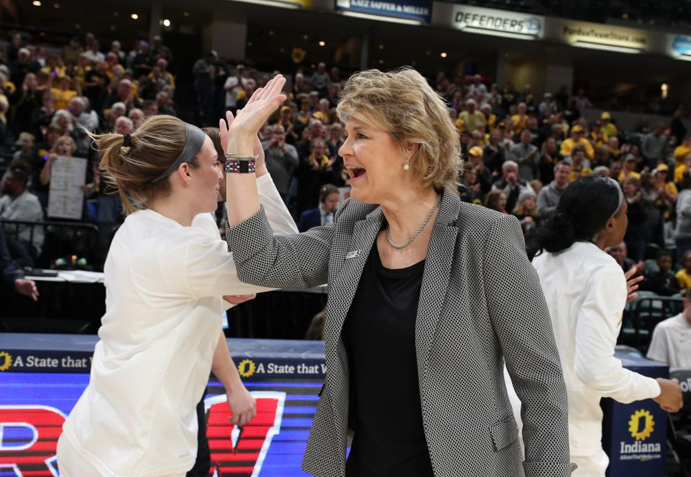 Iowa Hawkeyes head coach Lisa Bluder against the Indiana Hoosiers in the quarterfinals of the Big Ten Tournament Friday, March 8, 2019 at Bankers Life Fieldhouse in Indianapolis, Ind. (Brian Ray/hawkeyesports.com)