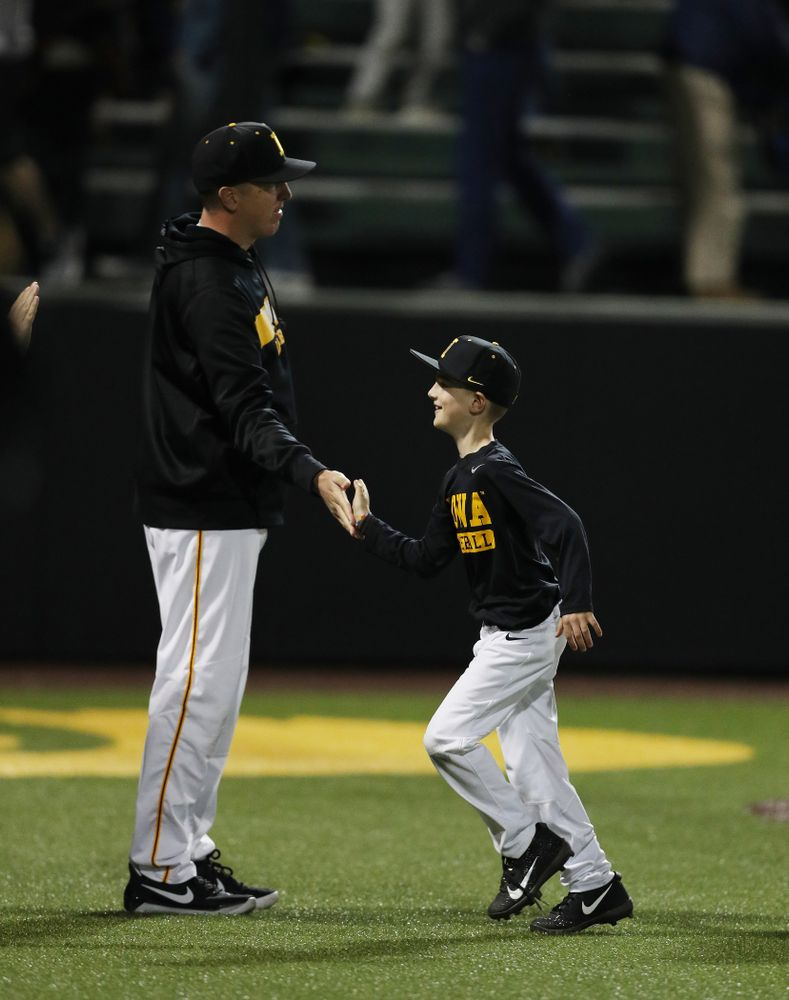 Pitching Coach Tom Gorzelanny and Gavin Gorzelanny against the Michigan State Spartans Friday, May 10, 2019 at Duane Banks Field. (Brian Ray/hawkeyesports.com)