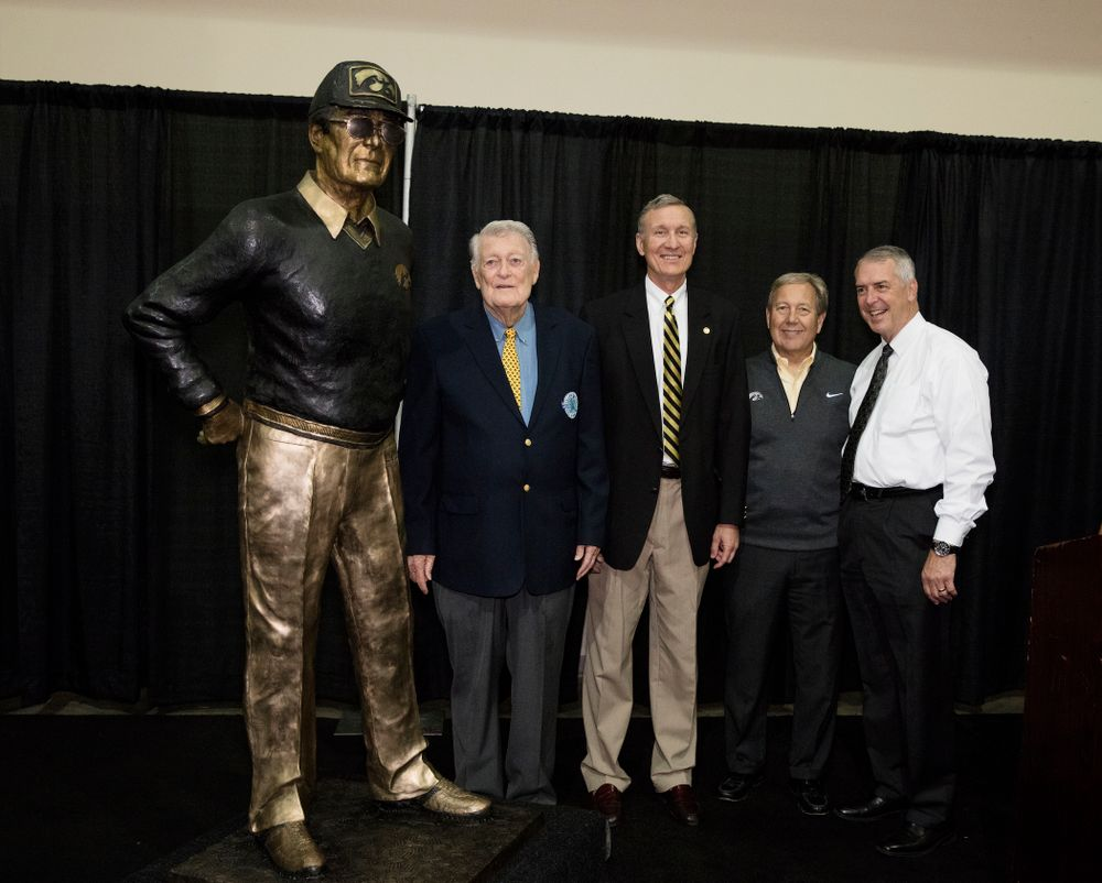 Legendary Hawkeye Football Coach Hayden Fry stands with UI President Bruce Harreld and UI Director of Athletics Gary Barta, and MidWestOne Bank president and CEO Charlie Funk following the unveiling of his statue during Fry Fest Friday, September 2, 2016 at the Coralville Marriott Hotel and Conference Center. (Brian Ray/hawkeyesports.com)