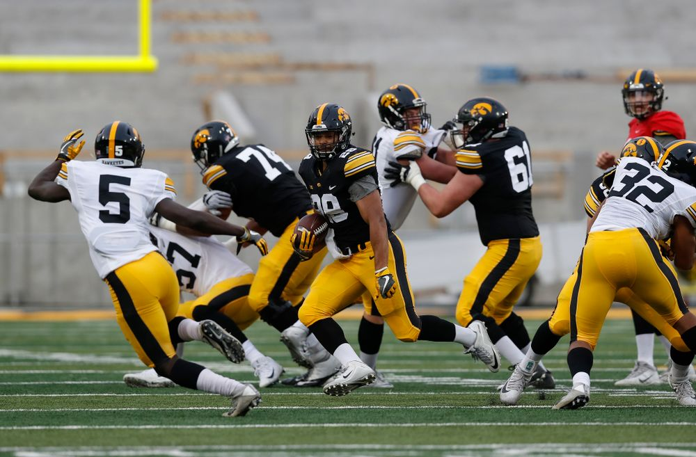 Iowa Hawkeyes running back Toren Young (28) during the final spring practice Friday, April 20, 2018 at Kinnick Stadium. (Brian Ray/hawkeyesports.com)