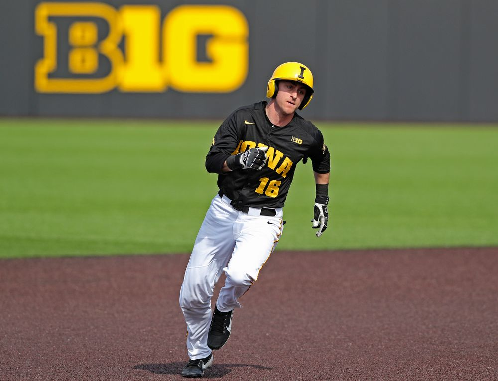 Iowa Hawkeyes shortstop Tanner Wetrich (16) runs from second to third base during the sixth inning of their game against Rutgers at Duane Banks Field in Iowa City on Saturday, Apr. 6, 2019. (Stephen Mally/hawkeyesports.com)