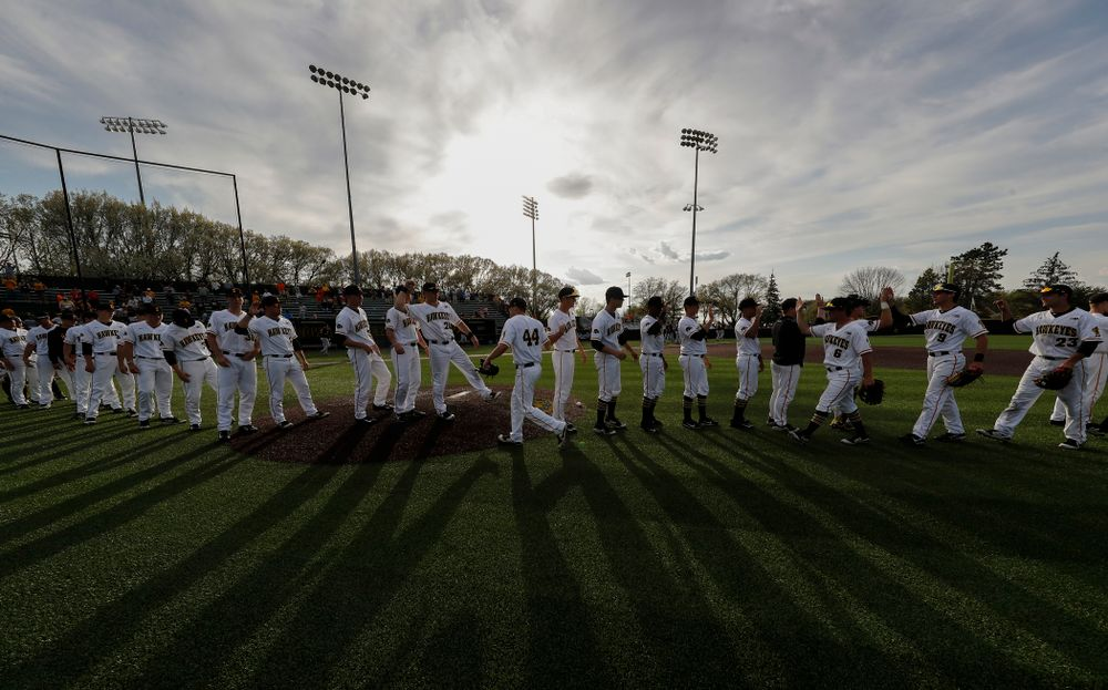 The Iowa Hawkeyes celebrate their win over the Oklahoma State Cowboys Saturday, May 5, 2018 at Duane Banks Field. (Brian Ray/hawkeyesports.com)