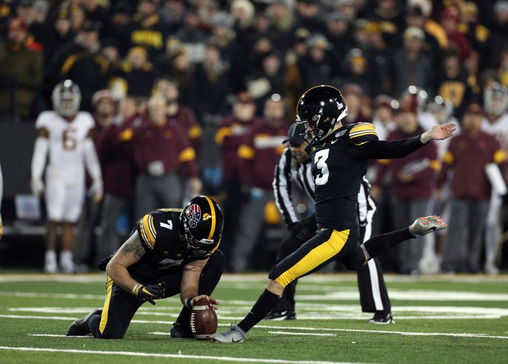 Iowa Hawkeyes place kicker Keith Duncan (3) against the Minnesota Golden Gophers Saturday, November 16, 2019 at Kinnick Stadium. (Brian Ray/hawkeyesports.com)